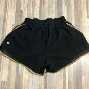 """lululemon Black Gold Mesh 3"""" Shorts size 4 EUC"""